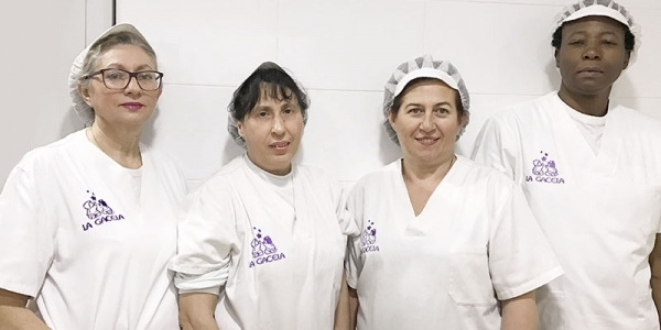 Mª Jose Estrems, Julia Fernández, Josefa Almazan, Bintu Tshibangu